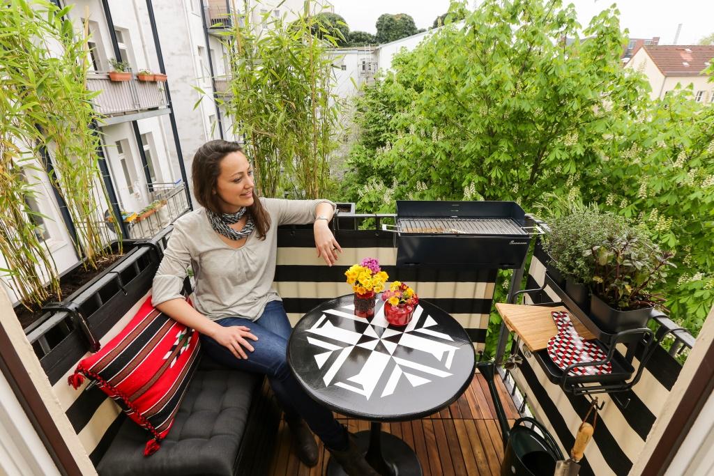 kleine balkone gestalten die balkongestalter. Black Bedroom Furniture Sets. Home Design Ideas